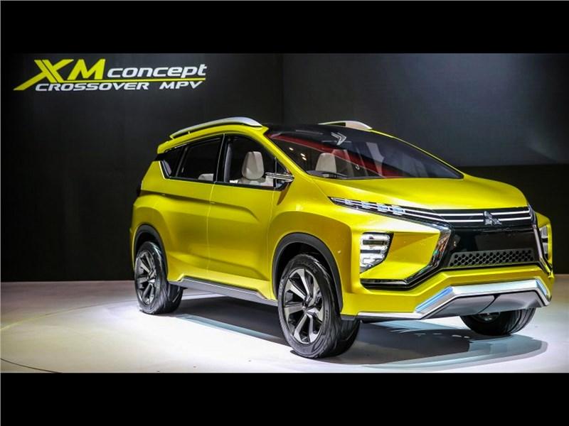 Mitsubishi XM 2016 вид спереди сбоку
