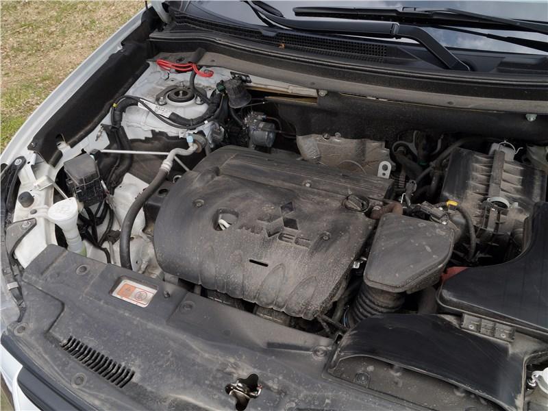 Mitsubishi Outlander 2016 двигатель