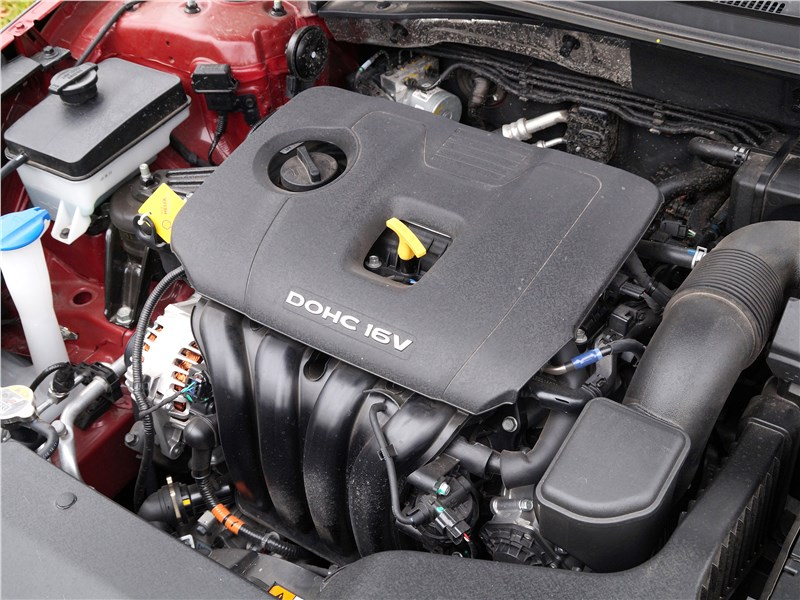 Hyundai Sonata 2018 моторный отсек