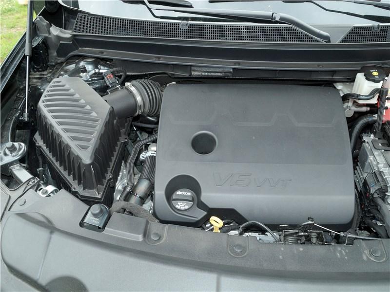 Chevrolet Traverse 2018 моторный отсек