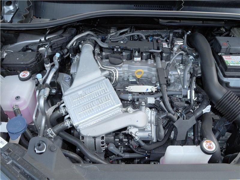 Toyota C-HR 2016 моторный отсек