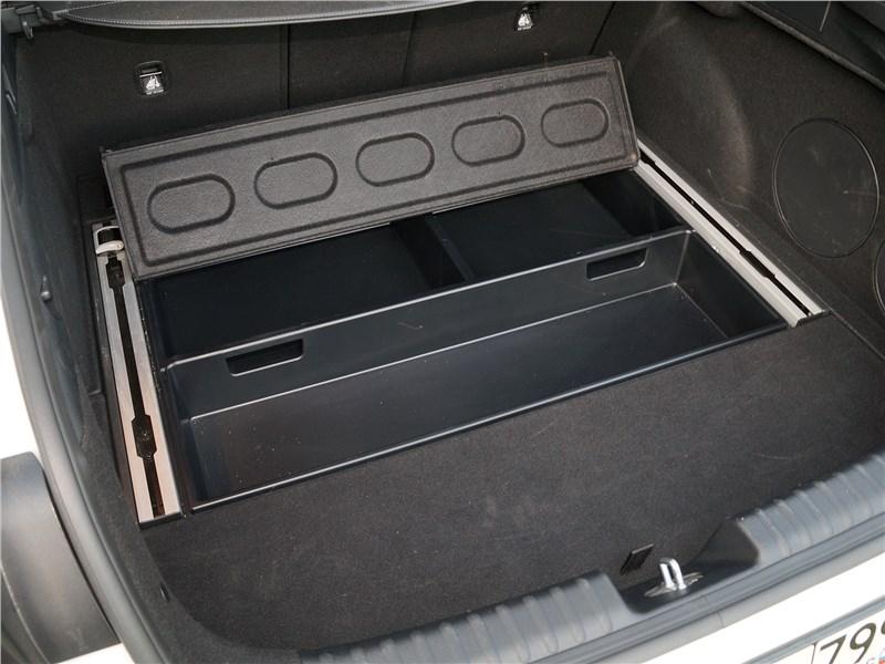 Kia ProCeed GT 2019 багажное отделение