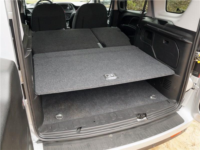 Fiat Doblo 2015 багажное отделение