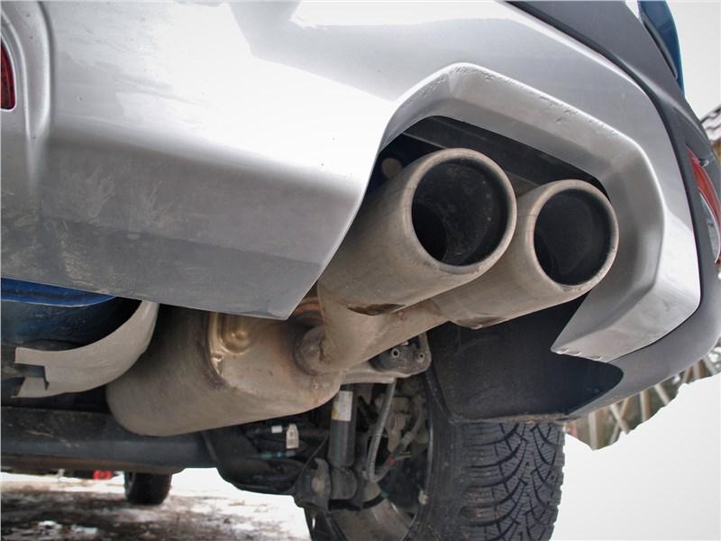 Kia Rio X (2020) выхлопные трубы