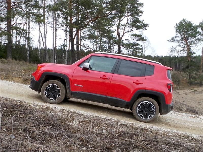 Jeep Renegade 2014 вид сбоку