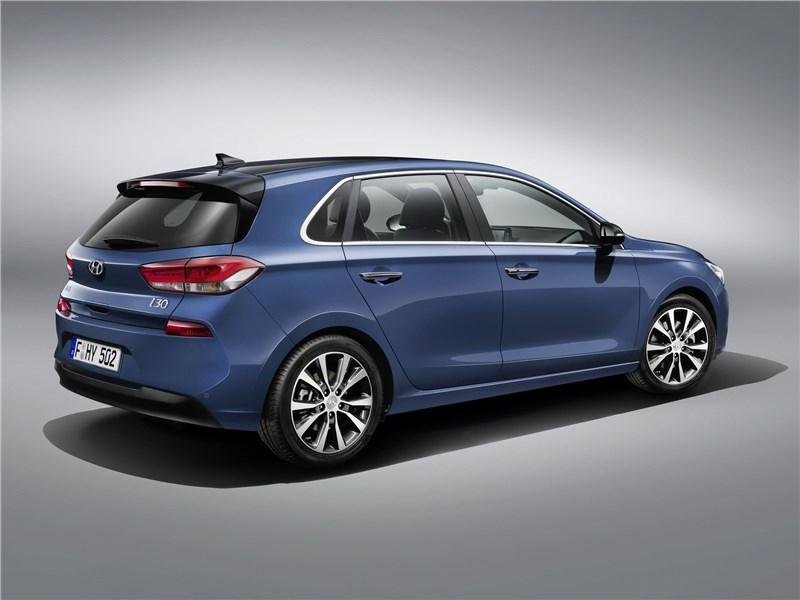 Hyundai i30 2017 вид сзади