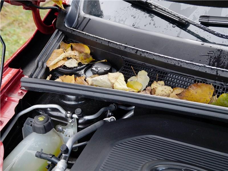 Lada XRay 2015 под капотом