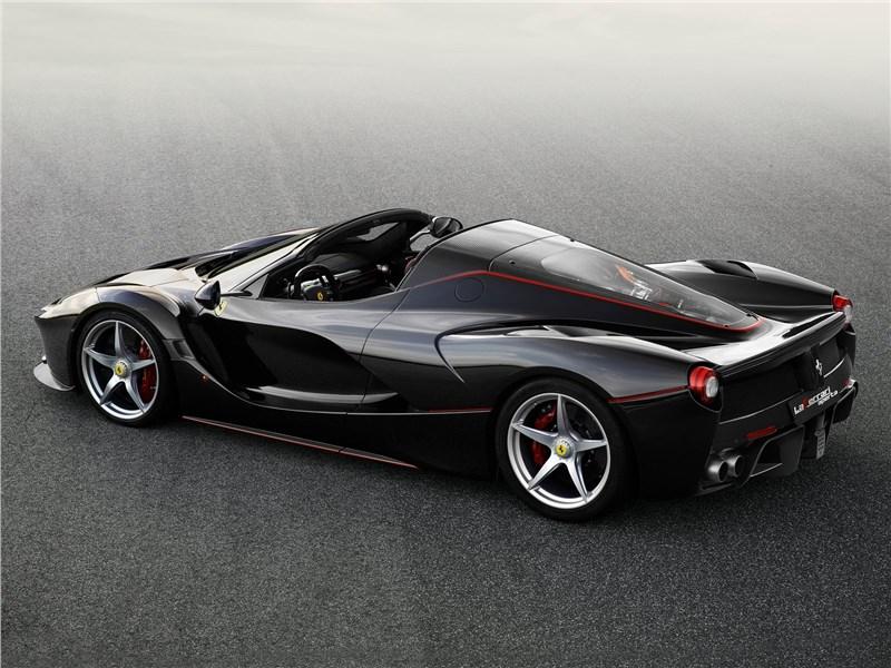 Ferrari LaFerrari Aperta 2017 вид сверху сбоку