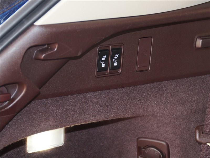 Lexus RX 350L 2018 электропривод