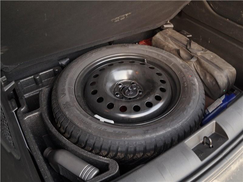 Jeep Renegade 2019 запасное колесо