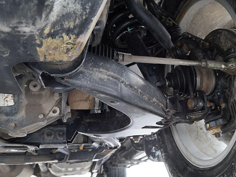 Chevrolet Trailblazer 2012 передняя подвеска
