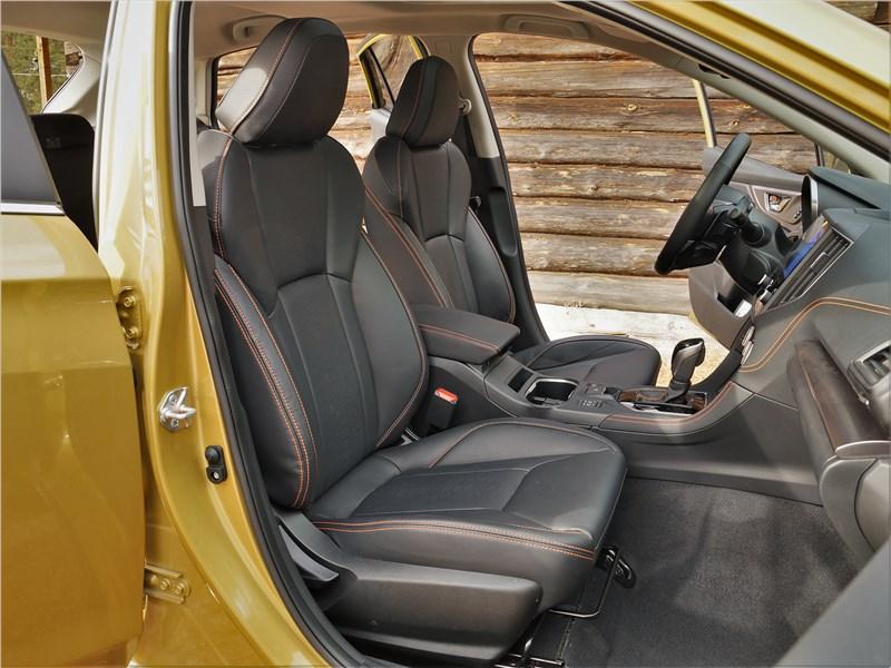 Subaru XV (2022) передние кресла