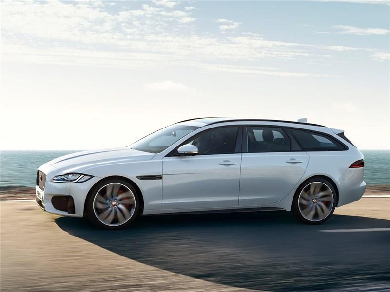 Jaguar XF Sportbrake 2018 вид сбоку