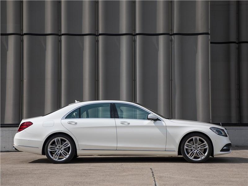 Mercedes-Benz S-Class 2018 вид сбоку