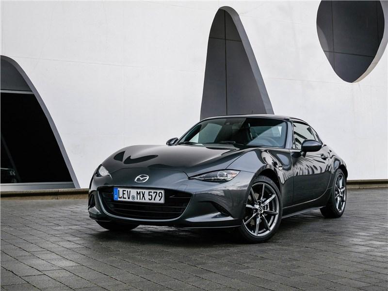 Mazda MX-5 RF 2017 вид спереди