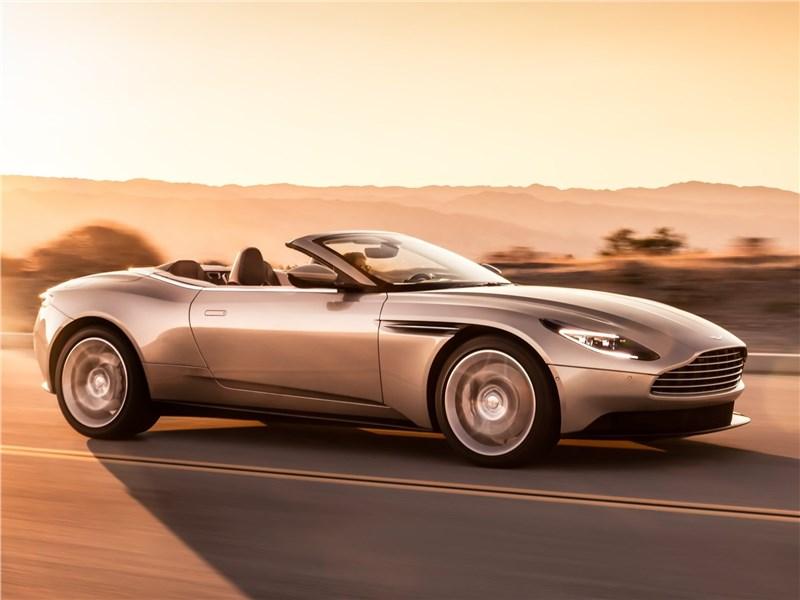 Aston Martin DB11 Volante 2019 вид спереди сбоку