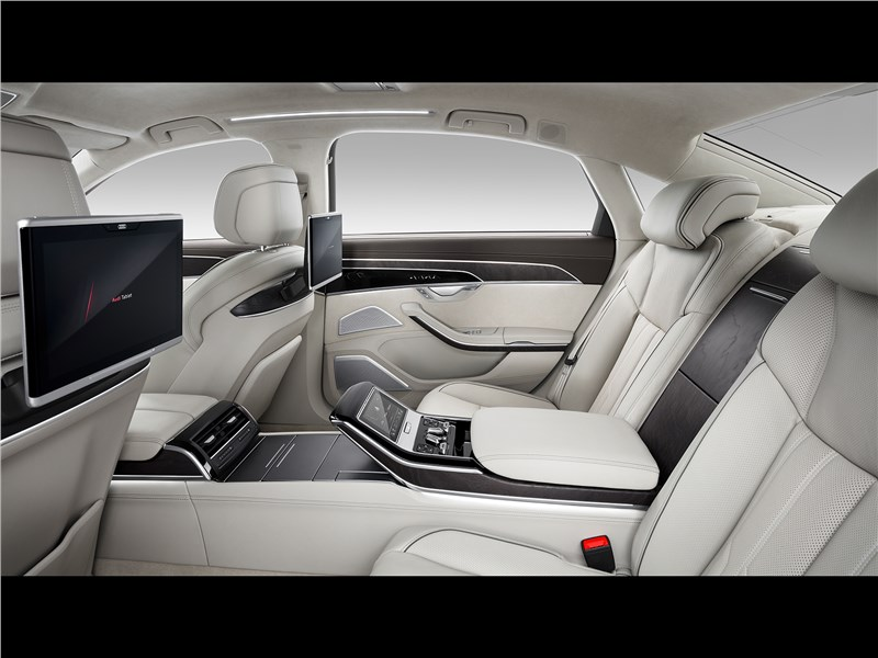 Audi A8 L 2018 задние кресла