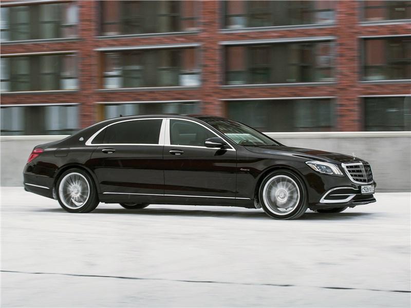 Mercedes-Maybach S 450 4Matic 2018 вид сбоку спереди