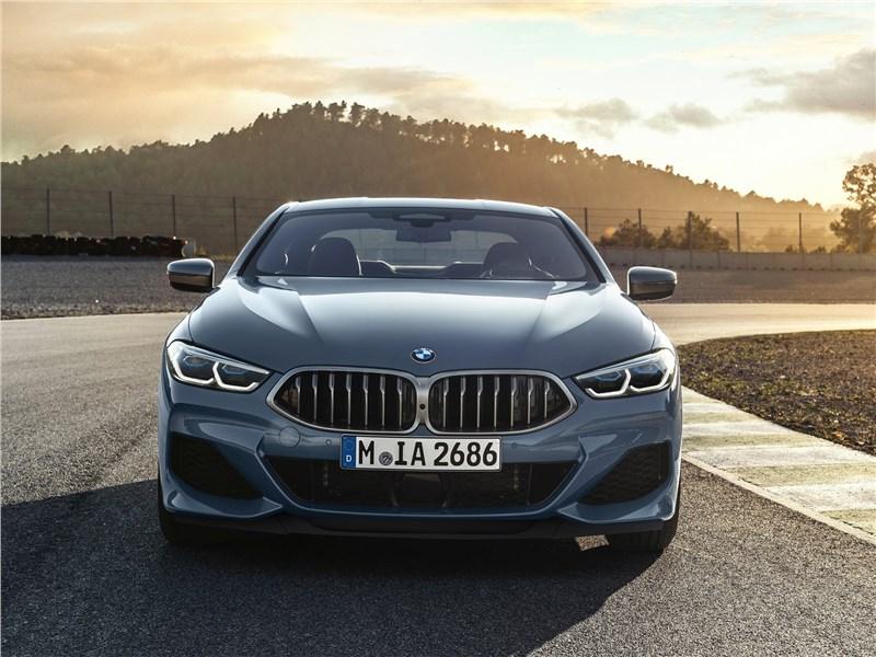BMW 8-Series Coupe 2019 вид спереди