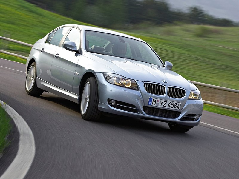 BMW отзывает машины из Китая
