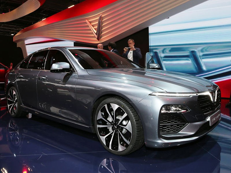 Вьетнамский автопром впервые представил в Париже две новые машины Фото Авто Коломна