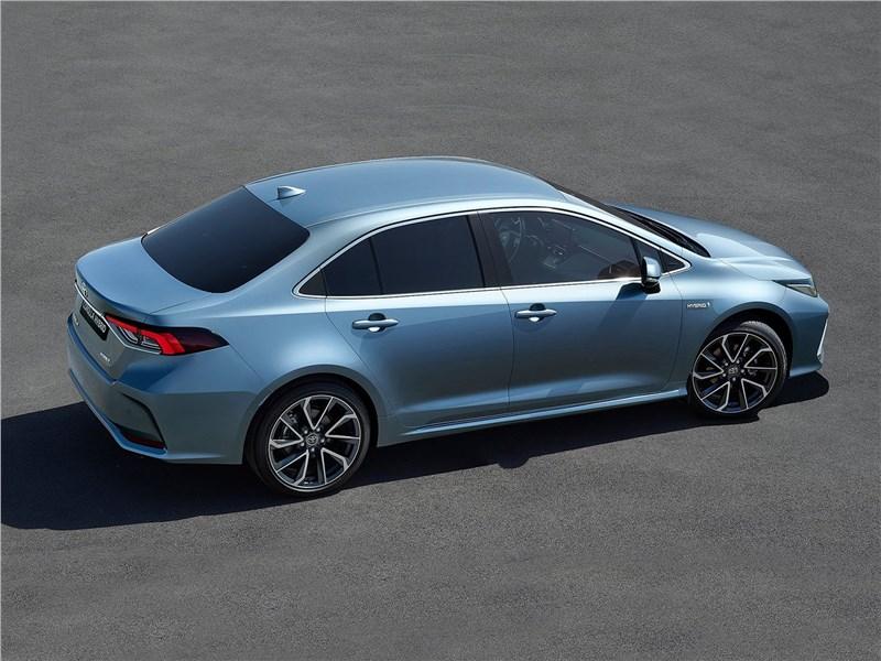 Toyota Corolla 2019 вид сбоку сверху
