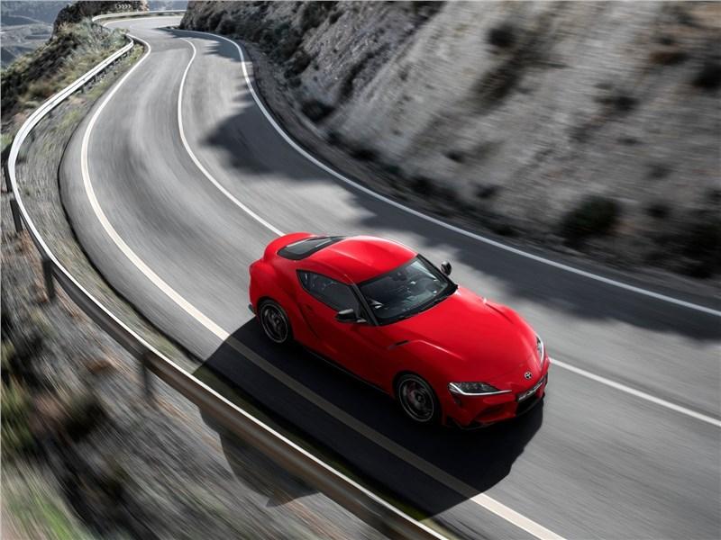 Toyota Supra 2020 вид сверху