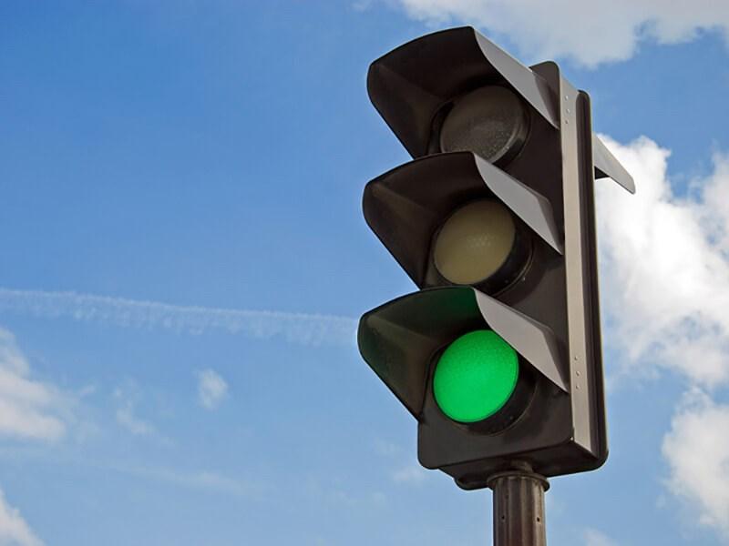 В России появятся светофоры, блокирующие смартфоны пешеходов Фото Авто Коломна