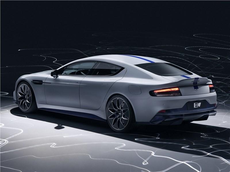 Aston Martin Rapide E 2020 вид сзади