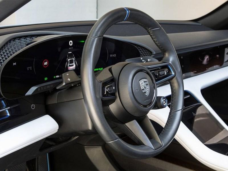 Электрический Porsche будет богат на экраны Фото Авто Коломна