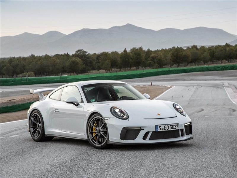 Porsche 911 GT3 2018 вид спереди