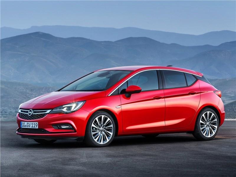 Opel Astra 2016 вид сбоку
