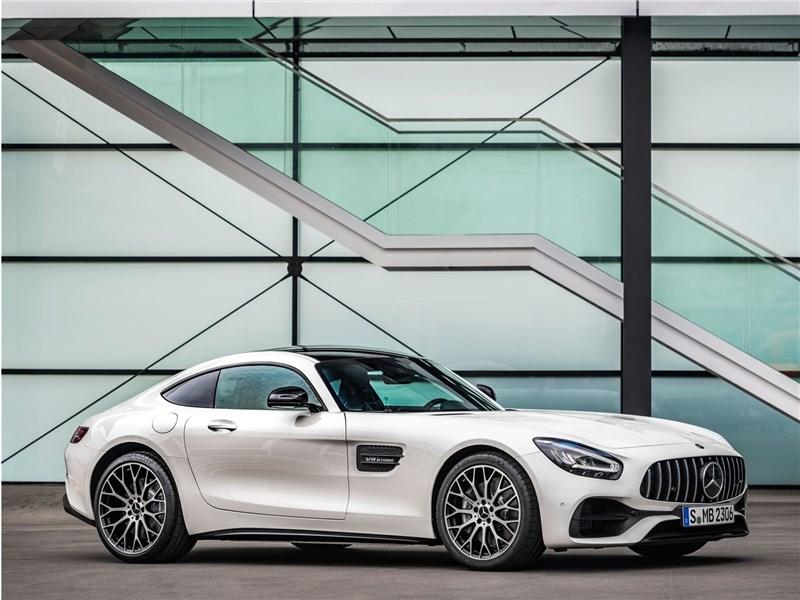 Mercedes поздравил Porsche с рекордом