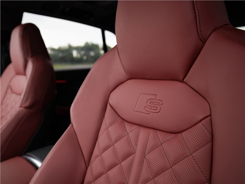 Audi SQ8 TDI 2020 отделка кресел