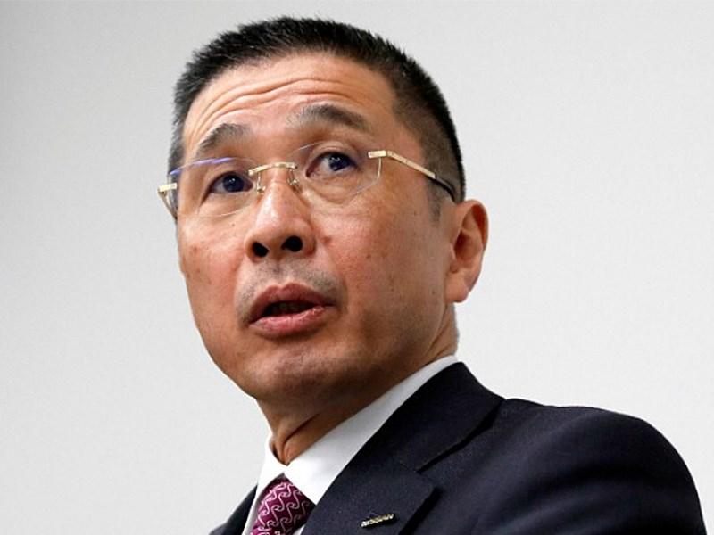 Глава Nissan подает в отставку из-за денег