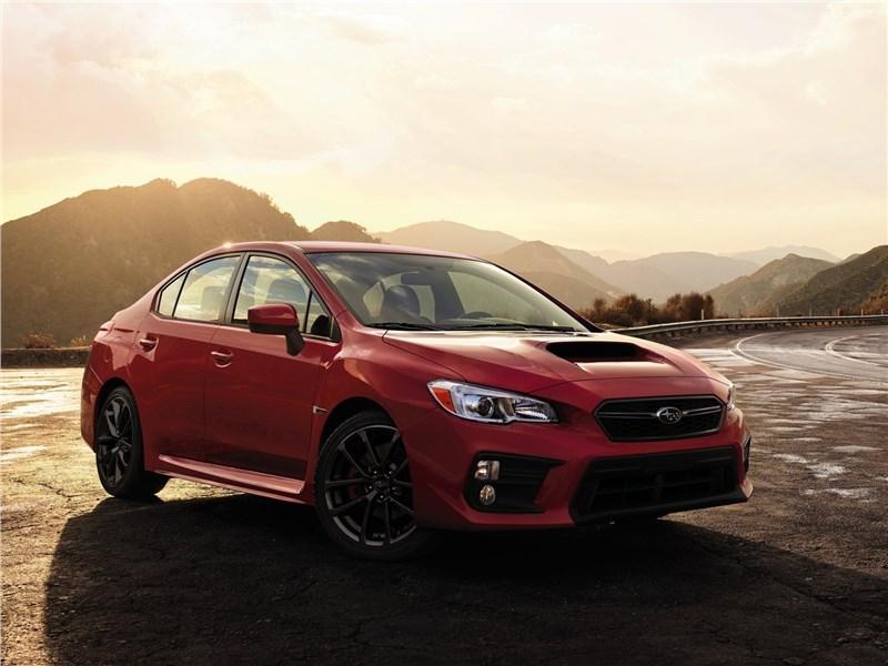 Subaru WRX 2018 вид спереди