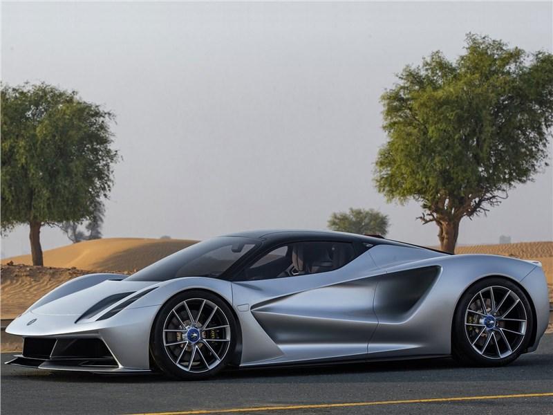 Lotus Evija 2020 вид сбоку