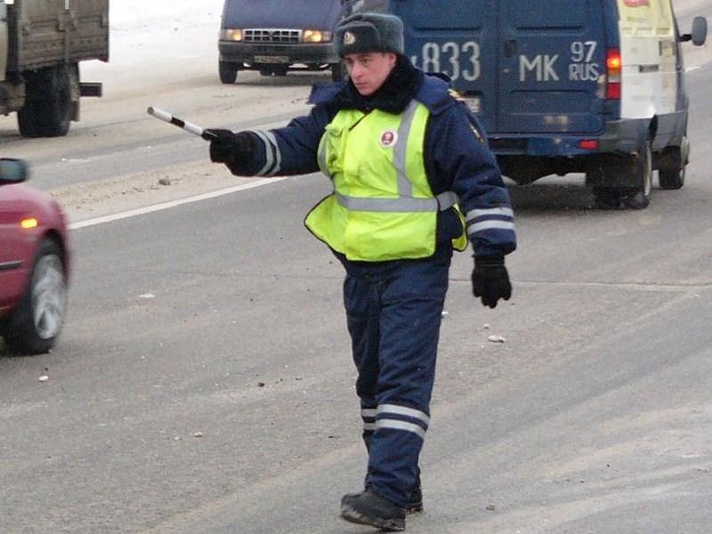Медведев предложил увольнять чиновников за некорректное поведение на дорогах