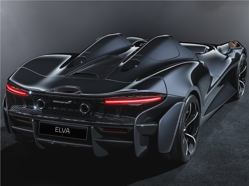 McLaren Elva 2021 вид сзади
