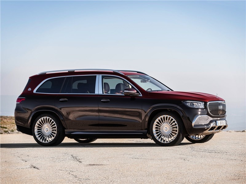 Mercedes-Benz GLS 600 Maybach 2021 вид сбоку