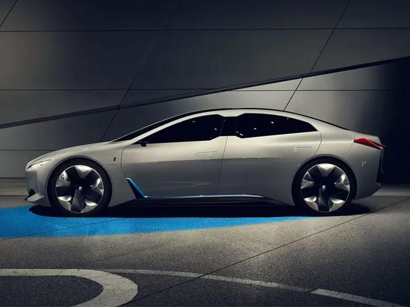 BMW хочет унизить Porsche Taycan Фото Авто Коломна