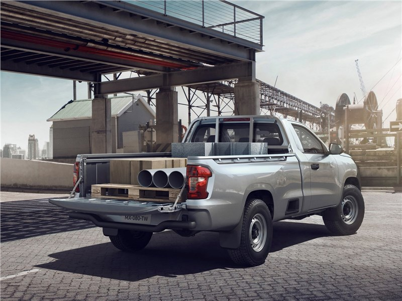 Peugeot Landtrek 2021 вид сзади