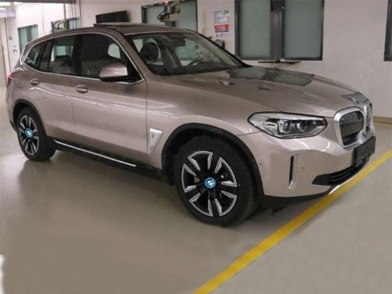 Опубликованы параметры первого электрического кроссовера BMW