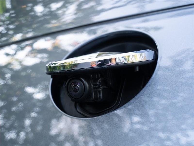Mercedes-Benz GLE Coupe 2020 камера заднего вида