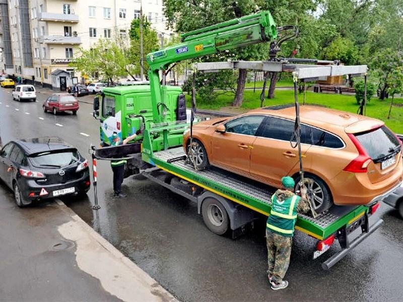 Сколько машин эвакуировали за незаконную стоянку – есть ответ!