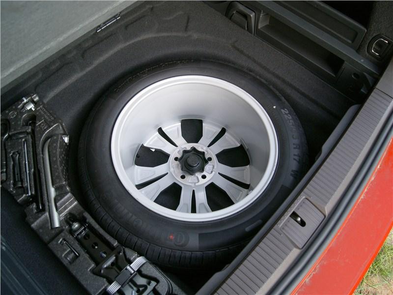 Volkswagen Passat Alltrack 2016 запасное колесо