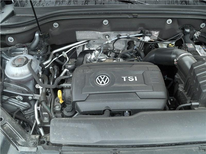 Volkswagen Teramont 2018 моторный отсек
