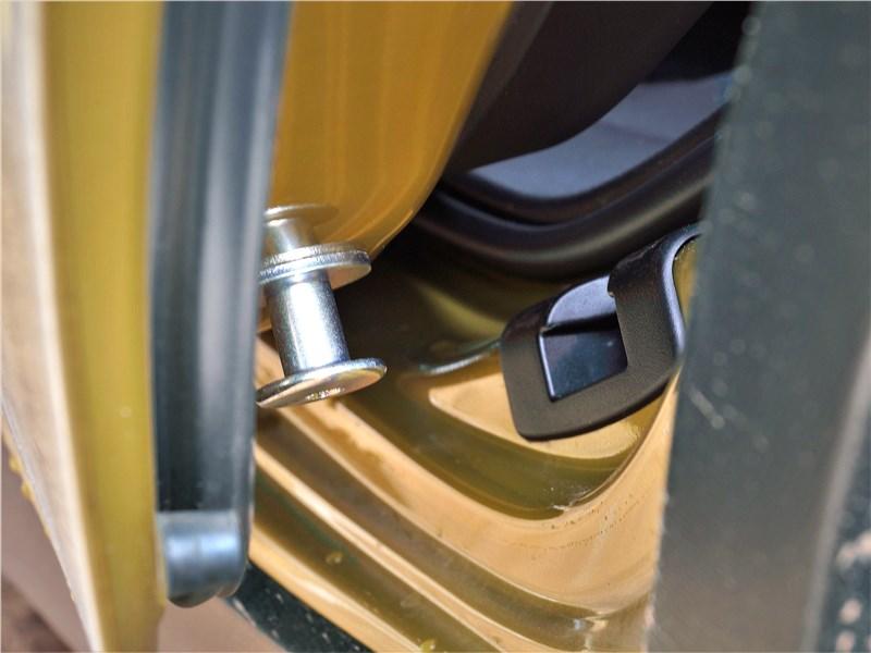 Subaru XV (2022) фиксатор двери