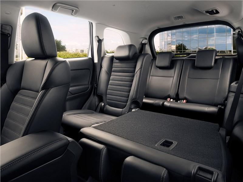 Mitsubishi Outlander (2021) задний диван