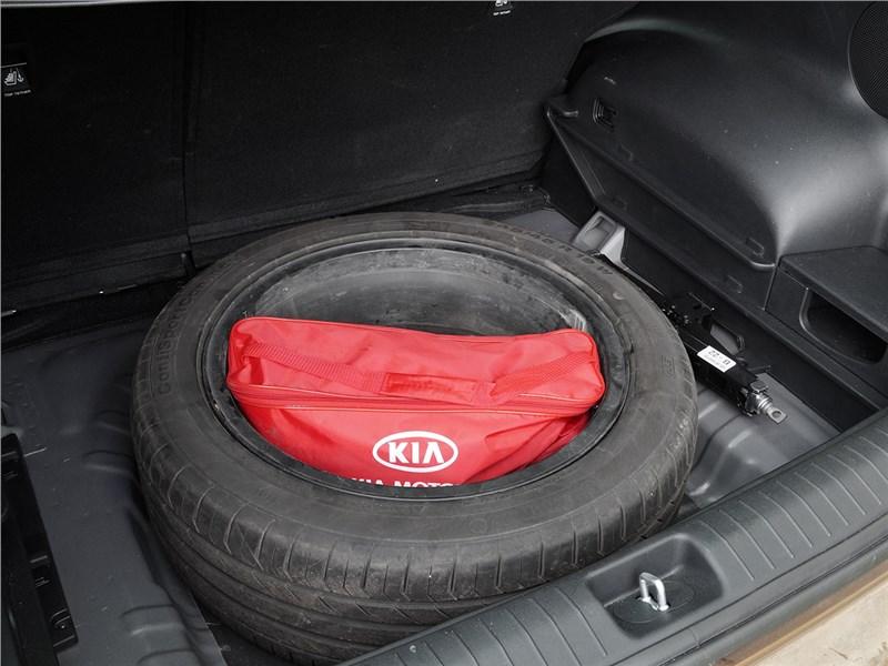 Kia Sportage 2016 запасное колесо